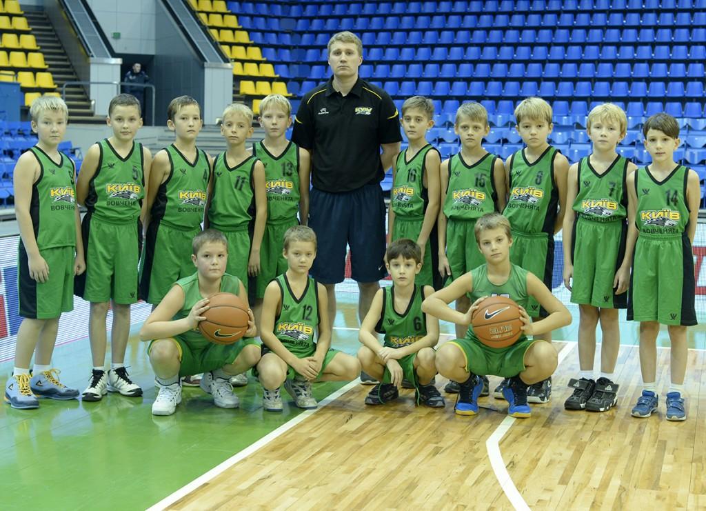 БК 'КИЇВ' 'ВОВЧЕНЯТА' 2003/2004